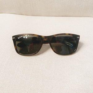 Men's Ray-Ban Wayfarer Polarized Sunglasses